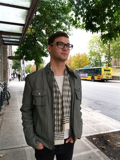 #Seattle #Streetstyle #Menswear #Mensstyle #MONOBI Bold Colors, Seattle Street, Coral, Menswear, Street Style, Mens Fashion, How To Wear, Outfits, Google Search