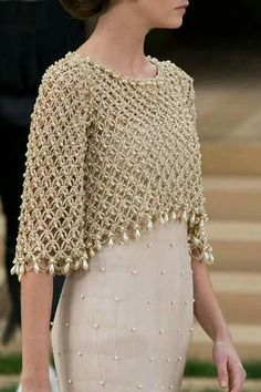 Crochet bolero decorated with pearls, for a special occasion. Crochet bolero decorated with pearls, for a special occasion. Made in point Solomon, this crochet work is beautiful and . Chanel Couture, Crochet Shawl, Knit Crochet, Crochet Bolero Pattern, Crochet Shrugs, Crochet Sweaters, Mode Crochet, Mode Chanel, Chanel Chanel