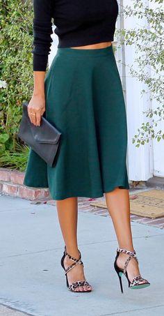 how to wear midi skirts | pursuitofshoes.com