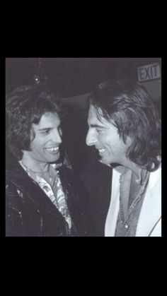 Freddie Mercury and Alice Cooper= Awesome!!!
