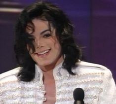 On which 1933 Awards-ceremony did MJ looked most beautiful? Poll Results - Michael Jackson Jackson Life, Jackson 5, Beautiful Smile, Most Beautiful, Mj Dangerous, Michael Jackson Pics, King Of My Heart, King Of Music, We Are The World