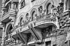 Villa in stile Liberty di Trieste costruita nel 1907 per il chirurgo triestino Pietro Valdoni. L'edificio dall'architetto Zaninovich.
