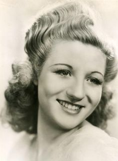 Anne Shelton, one of Britain's greatest singers of the and She shared the stage with Glenn Miller and Bing Crosby. Though some of the shows were recorded, none have ever surfaced in their entirety. Voice Singer, Big Band Jazz, Glenn Miller, The Blitz, Beautiful Voice, Golden Girls, Popular Music, Tv On The Radio, Celebrity Couples