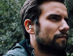 Perfectly fitting in your ear and about the size of a penny, this single earbud is also equipped with a powerful mic so you can even take calls without running to your phone.