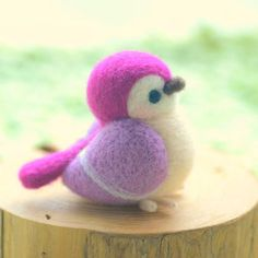Needle felted bird figurine, handmade wool sculpture bird dol.