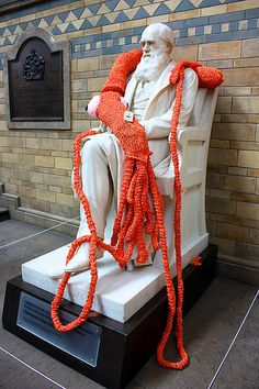 Plarchie, the giant knitted squid from Knit the City
