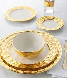 Set A Gilded Table With These 5 Luxury Dinnerware Sets