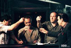 The Sopranos. Excelente serie. Uno termina queriendo a los malos. <- Is true, jaja! :P