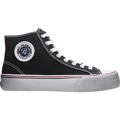 The Center Hi is the exacting reissue of the 1950's basketball icon. It has a trademark ribbed toe bumper and diamond-patterned outsole. It has foundation comfort. Size: 5.5. Color: Black. Gender: Mal