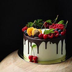 Trendy birthday cake ideas for women pretty fun ideas Cakes For Teenagers, Cakes For Women, Cupcakes, Cake Cookies, Pretty Cakes, Beautiful Cakes, Birthday Cake Girls Teenager, Fruit Birthday Cake, Cream Candy