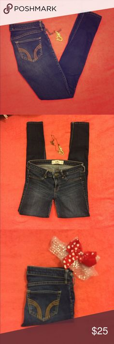 NWOT Hollister skinny jeans Like new. Size 3 regular. Perfect condition. Hollister dark, skinny jeans! Hollister Pants Skinny