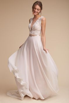 402216712219 These beach wedding dresses are stunning perfection and are just what you  need for your destination