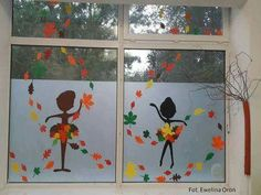 Leaf Crafts, Fall Crafts, Diy And Crafts, Crafts For Kids, Christmas Window Decorations, School Decorations, Classroom Walls, Classroom Decor, Felt Flowers Patterns