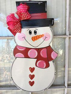 Front door decor, snowman door hanger, door decorations, – Marjorie B. Davis Home Snowman Door, Burlap Door Hangers, Wooden Snowmen, Christmas Decorations, Christmas Ornaments, Snowman Crafts, Christmas Door, Front Door Decor, Paint Party