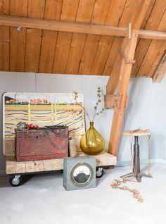 Styling Sabine Burkunk   Photographer Hans Mossel   vtwonen april 2015 #vtwonen #magazine #interior #inspiration #industrial #decoration #vase