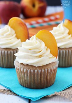 Peach Pie Cupcakes from @lifelovesugar