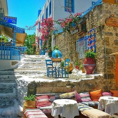 Kos, Dhodhekanisos, Greece Travel to the lovely island of #kws, on #dodecanese! By @essemundoenosso. Congratulations