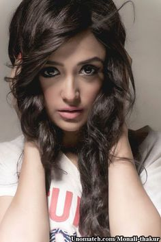 Monali Thakur,born on 3rd November 1985 in a bengali family in Kolkata, India, is an Indian playback singer and actress. like : http://www.Unomatch.com/Monali-thakur/