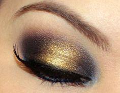 Gold smokey eye!