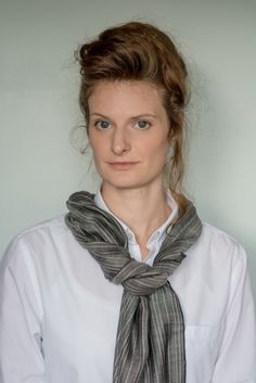 Anna wears Evelyn Waugh Stripe 'Pewter' (Large)