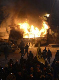 "Ukraine Protests & Riots 2014 - Global Protests & Revolutions - Money Train, FuTurXTV & FUNK GUMBO RADIO: http://www.live365.com/stations/sirhobson and ""Like"" us at: https://www.facebook.com/FUNKGUMBORADIO"