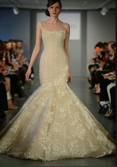 We heart all the details on that mermaid wedding dress from Ines di Santo - Spring/Summer 2014