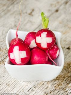 Swiss National Day, Swiss Recipes, Swiss Miss, Farewell Parties, 1 August, Food Photo, Special Day, Switzerland, Fruit