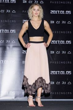 "hello-fashion-realness: "" Jennifer Lawrence at the Seoul press conference for Passengers in Cinq a Sept. Fashion Tv, Daily Fashion, Girl Fashion, Jennifer Lawrence Style, Jenifer Lawrence, Katniss Everdeen, Pink Midi Skirt, Influencer, Red Carpet Fashion"