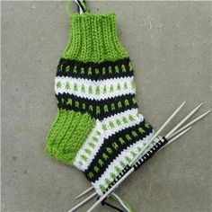 Knitting Socks, Knitted Hats, Anton, Sewing Crafts, Knitwear, Stuff To Do, Knit Crochet, Diy, Inspiration
