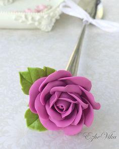 «Роза на удлинённой ложке. #полимернаяглина #вкусныеложки #розыизполимернойглины…