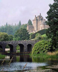 Drummond Castle, Scotland |