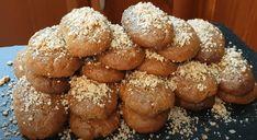 Συνταγή για μελομακάρονα, που αν την δοκιμάσεις, δεν θα την αλλάξεις! Καλές γιορτές! Η συνταγή είναι από το κανάλι Sotiria amor Υλικά 250ml. ελαιόλαδο 250ml. σπορέλαιο 200ml. χυμό πορτοκάλι 190gr. ζάχαρη 1κτσ. baking powder 1κτγ. μαγειρική σόδα 1κτσ. κανέλα 1κτγ. γαρύφαλλο 2 βανίλιες 20ml. κονιάκ 1 πορτοκάλι το Greek Desserts, Pretzel Bites, Sweet Recipes, Muffin, Dessert Recipes, Food And Drink, Xmas, Tasty, Bread