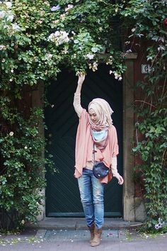 We @hijabmuseum #hiijabmuseum http://www.hijabmuseum.com love this look!  Daily Country Style   INP
