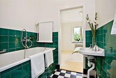 Contemporary Interior Design, Contemporary Bathrooms, Modern Bathroom, Small Bathroom, Bathroom Inspiration, Interior Inspiration, Paris Flat, Mid Century Bathroom, Loft Bathroom