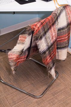Brand - Triminghams Bermuda / Creagaran Mills - Made in Scotland Material - 100% Mohair Nap Condition - good  Measurements - length - 65 width - 47