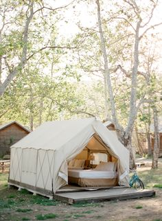 the best glamping spots in the U.S.  Photography  : Jose Villa Photography Read More on SMP: http://www.stylemepretty.com/living/2016/10/06/10-of-the-most-gorgeous-destinations-for-glamour-camping-a-k-a-glamping/