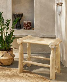 Un tabouret en bois bohème dans ma déco | Shake My Blog Deco Boheme, Outdoor Furniture, Outdoor Decor, Decoration, Entryway Bench, Shake, Diy, Blog, Ideas