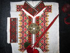 Folk Costume, Costumes, Bohemian Rug, Quilts, Blanket, Rugs, Home Decor, Farmhouse Rugs, Decoration Home