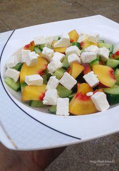 Meg's Handmade: Sałatka z brzoskwinią, ogórkiem i fetą #salad #sałatka #cucumber #peach #fetacheese #sałatka owocowa #glutenfree