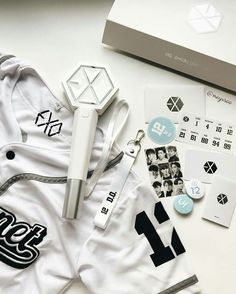 Find images and videos about white, exo and aesthetic on We Heart It - the app to get lost in what you love.