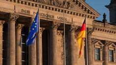 Die Europäische Union ist ein Staatenbund mit derzeit 28 Mitgliedern. Die Bundesrepublik Deutschland ist eines der sechs Gründungsmitglieder der EU.