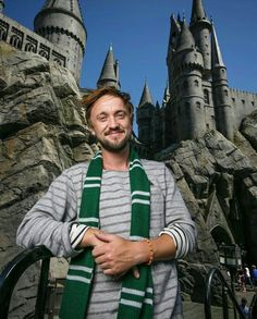 Tom Felton is an amazing actor! I think he loves his character Draco Malfoy Harry Potter Toms, La Saga Harry Potter, Harry Potter Cast, Daniel Radcliffe, Slytherin Pride, Hogwarts, Drarry, Dramione, Tom Felton Tumblr