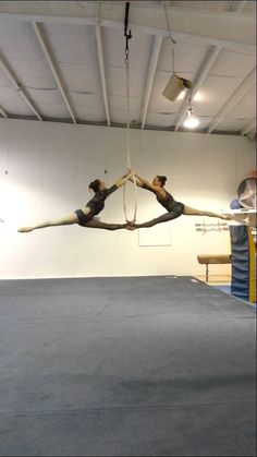 Abby and Marisa duo aerial hoop - love the transition at 3:12