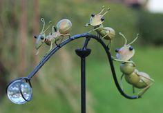 Windspel tuimelaar met 3 groene mieren ter decoratie voor in de tuin, WS425, te koop bij www.robanjer.nl