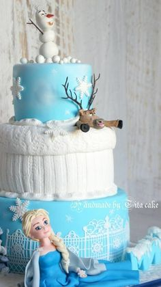 Frozen cake look at olaf and svien Disney Frozen Cake, Frozen Theme Cake, Disney Cakes, Fancy Cakes, Cute Cakes, Fondant Cakes, Cupcake Cakes, Frozen Fondant, Beautiful Cakes
