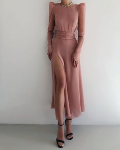 Fitted dress from LN family Simple Dresses, Elegant Dresses, Pretty Dresses, Beautiful Dresses, Casual Dresses, Short Dresses, Formal Dresses, Dress Dior, Dress Up