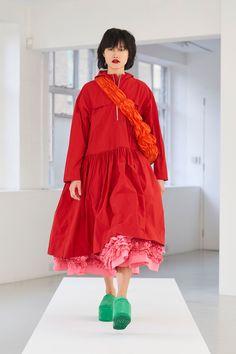 Red Fashion, Fashion 2020, Fashion News, Fashion Beauty, Fashion Show, Fashion Design, Fashion Spring, Fashion Trends, London Fashion Weeks