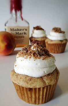 Bourbon Peach Cobbler Cupcake #cupcakes #cupcakeideas #cupcakerecipes #food #yummy #sweet #delicious #cupcake