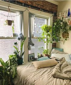 Because the living room is the reception room par excellence, the choice of furniture and decoration is particularly important. Our living room is also a cocoon from which the… Continue Reading → Dream Rooms, Dream Bedroom, Cozy Bedroom, Hippy Bedroom, Earthy Bedroom, Bedroom Small, Bohemian Bedroom Decor, Teen Bedroom, Bohemian House