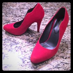 Eye-catching lipstick red pumps Lipstick red, faux suede pumps with scalloped pattern on sides that elongates legs. In excellent condition - bought new and wore once to a work event. Gomax Shoes Heels